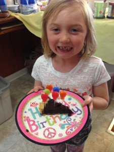 dadvmom.com_happybananatoyou_Lizzie6birthdaychocolatepie