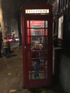 dadvmom-com_londonphonebooth